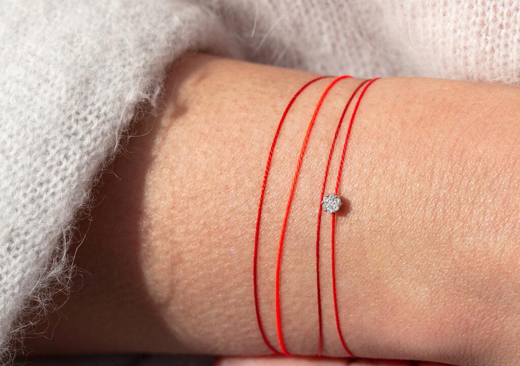 bracelet cuir rouge signification